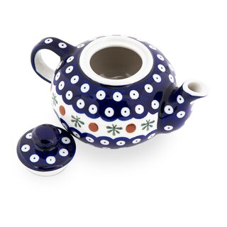 Small Teapot, just the right size for two cup of tea. Decor 41