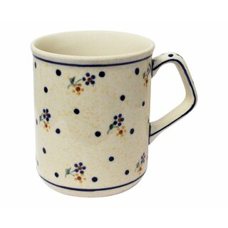 Modern Boleslawiec mug with square handles in the Decor 111